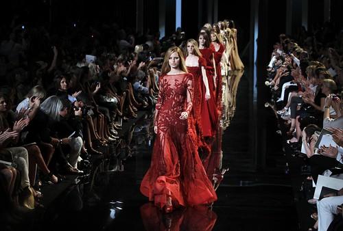 karolina-kurkova-2010-2011-fashion-show-elie-saab-haute-couture-fallwinter-11-2200x1487