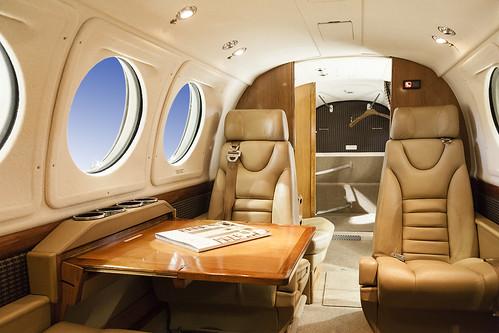 Beechcraft King Air B200 inside