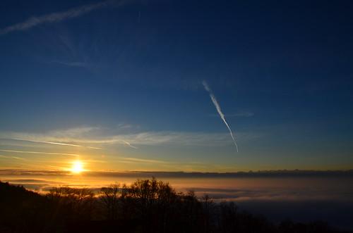 blue alps fog sunrise airplane schweiz switzerland jura alpen solothurn weissenstein