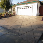 Plum Creek Exposed Aggregate Driveway With Diamonds In Suisun