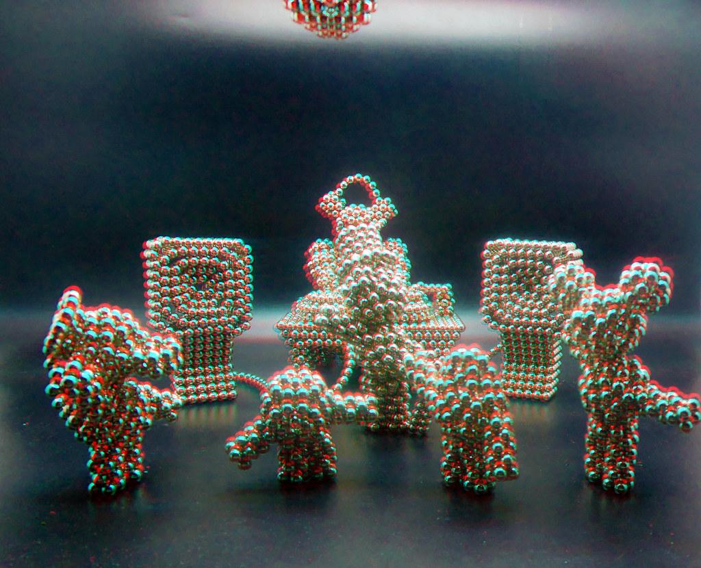 Penta-Bot-plays-DJ-6-in-3D