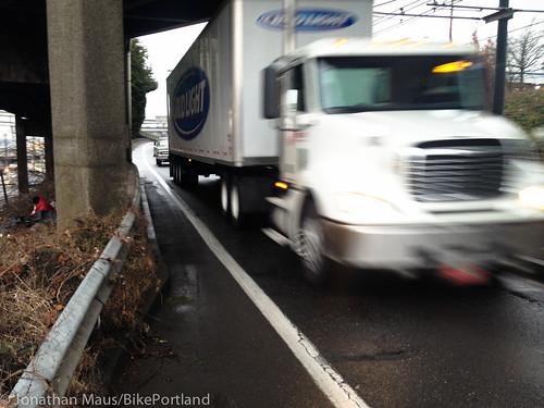 Bike lane Interstate Ave-2-1