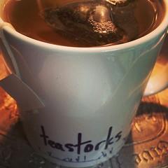 cup(0.0), food(0.0), masala chai(0.0), dessert(0.0), chocolate(0.0), cup(1.0), coffee cup(1.0), hot chocolate(1.0), drink(1.0), caffeine(1.0),