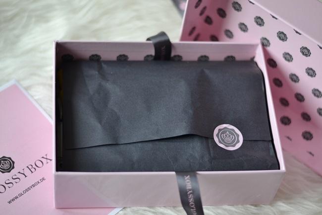 Unboxing Glossy Box Januar 2014 (2)