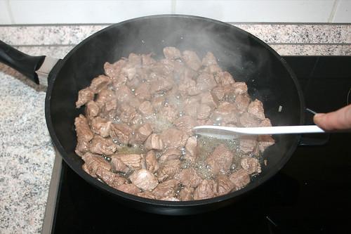 24 - Lammfleisch scharf anbraten / Sear lamb