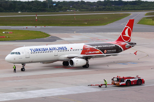 Turkish Airlines - A321 - TC-JRO (1)