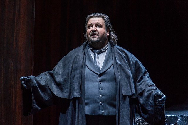 Johan Botha as the Emperor in Die Frau ohne Schatten © ROH / Clive Barda 2014