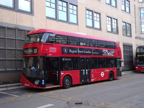 London United LT90 on Route 10, Hammersmith