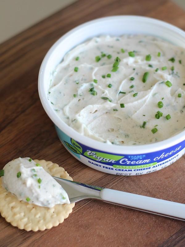 """Garlic and Herb Vegan """"Cream Cheese"""""""
