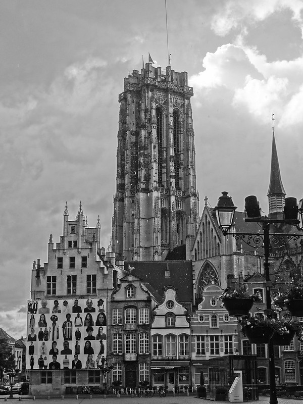 Mechelen square and cathedral