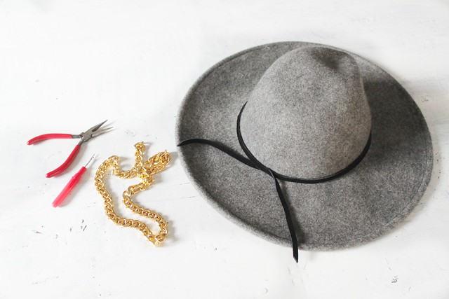 How to make a chained hat www.apairandasparediy.com