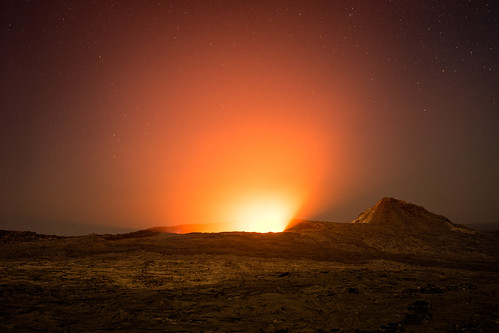 africa travel light orange mystery night zeiss 35mm stars landscape volcano lava dangerous glow shine darkness sony rocky exotic fe ethiopia alpha volcanic a7 active molten otherworldly ertaale danakildepression sonnartfe35mmf28za