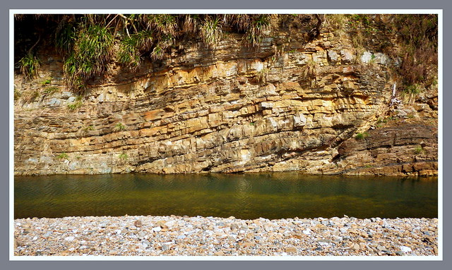 THE GENTLE RISE AND FALL OF ROCK LAYERS ALONG THE TENIYA RIVER