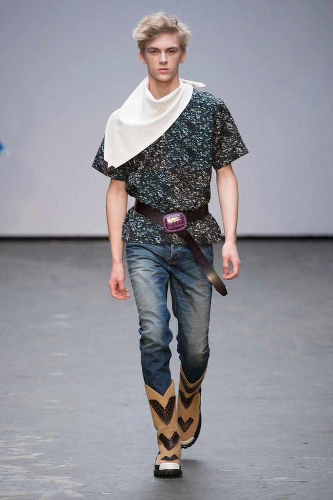 Dominik Sadoch3221_FW15 London Xander Zhou(fashionising.com)
