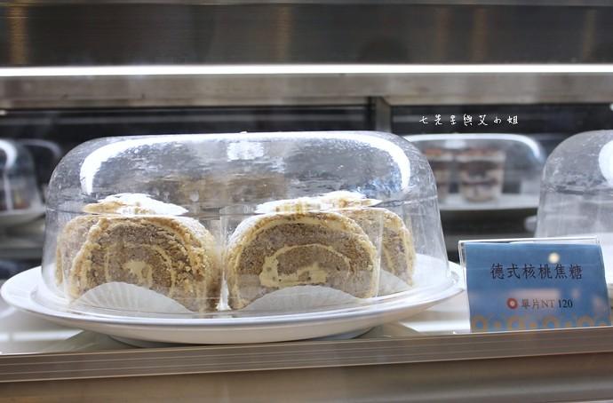 7 台南 深藍咖啡館 千層蛋糕
