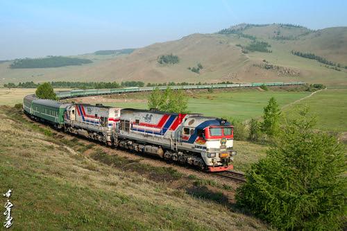nikon ngc railway trains mongolia locomotive railfan trainspotting 1520 passengertrain diesellocomotive 2zagal ubtz nikondf monrailpic