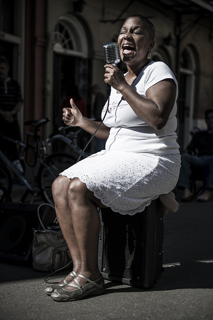 Jazz singer in the street