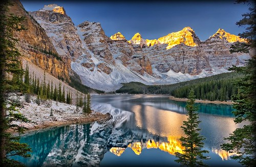 canada sunrise reflections dawn alberta banff daybreak gettyimages morainelake valleyofthetenpeaks tenpeaks simplysuperb
