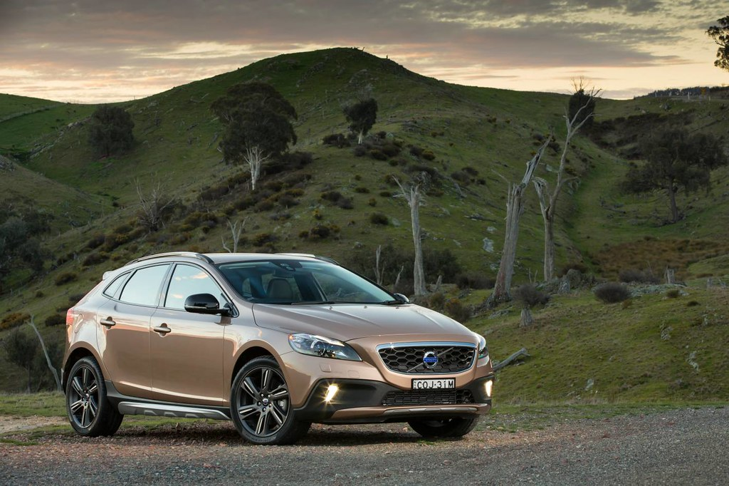 2013 Volvo V40 Cross Country - first Drive