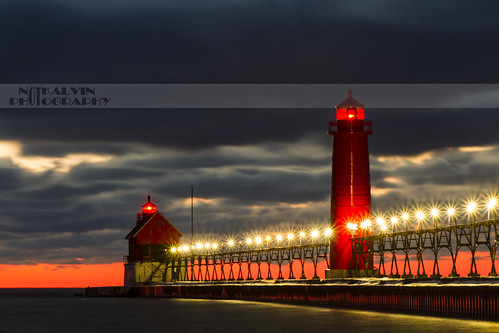 longexposure sunset lighthouse cold beach night michigan lakemichigan le shore grandhaven reallycold uscg grandhavenlighthouse mikekline michaelkline notkalvin notkalvinphotography