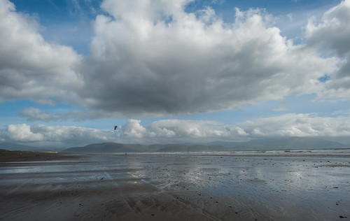 ireland kite man cool clare dingle peninsula inchbeach cool2 cool3 uncool2 uncool3 uncool4 uncool5 uncool6 uncool7