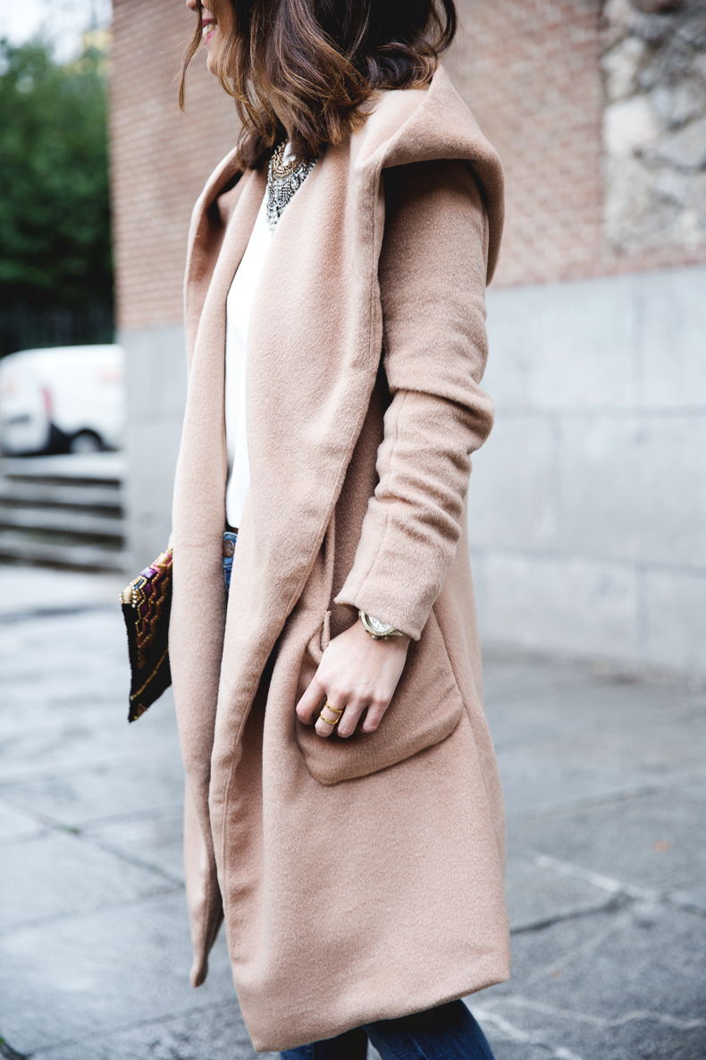 Nude_Coat-Ripped_Jeans-White-Street_Style-Outfit-Collage_Vintage-48