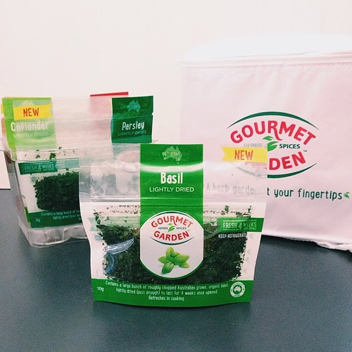 V interesting new product from #gourmetgarden - #lightlydried herbs that rehydrate when used & stay fresh in fridge for 4 weeks... World first product innovation hitting shelves tomorrow. #aussiegrown #organic - #gifted #notsponsored #vsco #vscocam