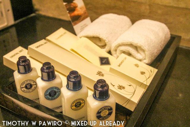 Philippines - Manila - Dusit Thani - Club Executive Suite - L'occitane Toiletries