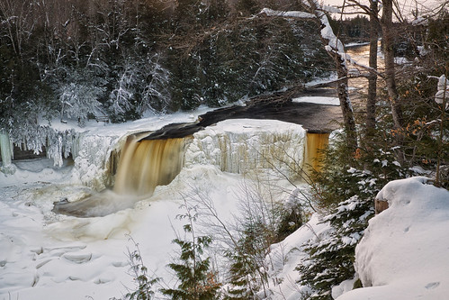 longexposure winter snow cold ice nature water landscape waterfall scenery unitedstates michigan scenic upperpeninsula icicles tahquamenonfalls frozenwaterfall northernmichigan tahquamenonriver lucecounty tannin hiawathanationalforest 2seconds neutraldensityfilter nikcolorefex tonalcontrast viveza hoyandx16 detailextractor fujixe1 xf1855mm