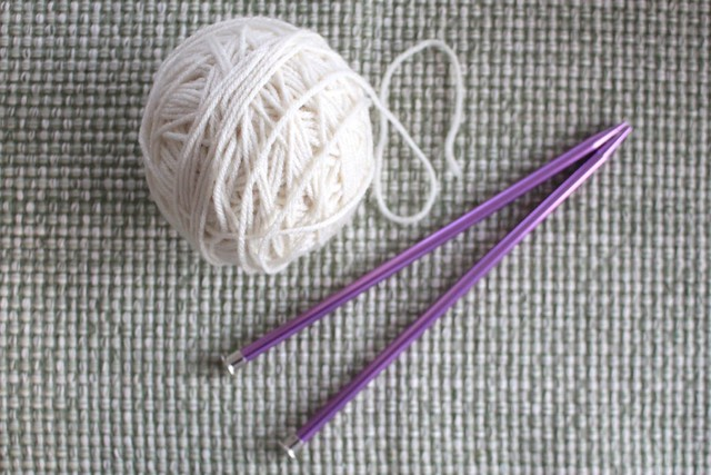yarn-knitting-needles