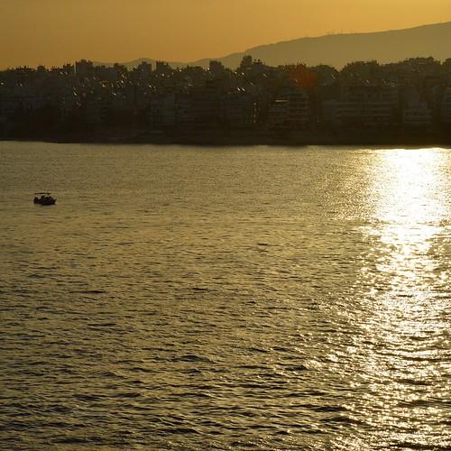 new city sunset sea sun beautiful port sunrise boat day colours view greece piraeus ηλιοβασίλεμα attiki ελλάδα λιμάνι πόλη ημέρα θαλασσα ανατολή χρώματα θέα νέα αττική βαρκα ηλιοσ πειραιασ θαυμάσια