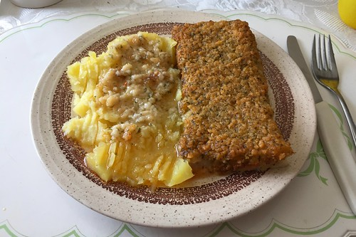 "Fish filet ""Bordelaise"" with potatoes / Fischfilet ""Bordelaise"" mit Salzkartoffeln"