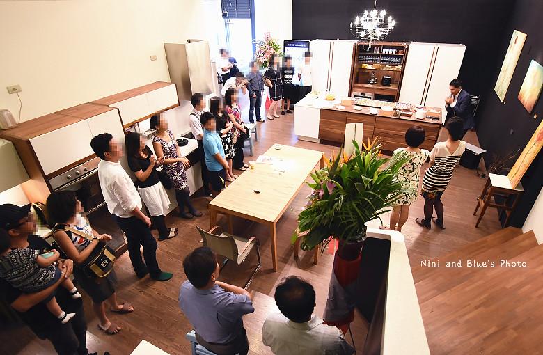 台中環中路家具沙發廚具系統櫃傢櫥周旻虹畫展42