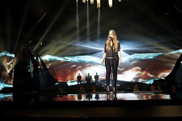 Anouk-Birds-Eurovision-1