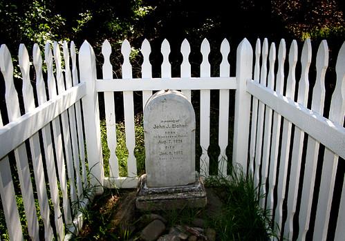 Eichar's Grave