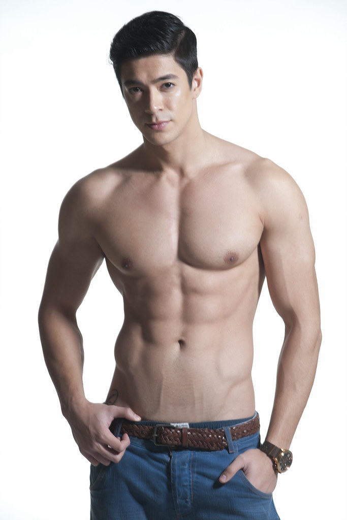 show pinoy naked