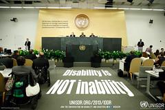 """""""Disability is NOT inability"""" (Behinderung ist nicht Unfähigkeit) - UN-Generalsekretär Ban Ki-moon bei einer Generalversammlung des UNISDR über Behinderung und Entwicklung, 23.09.2013. Photo:  UNISDR / flickr Creative Commons Licence Namensnennung, nicht kommerziell, keine Bearbeitung"""