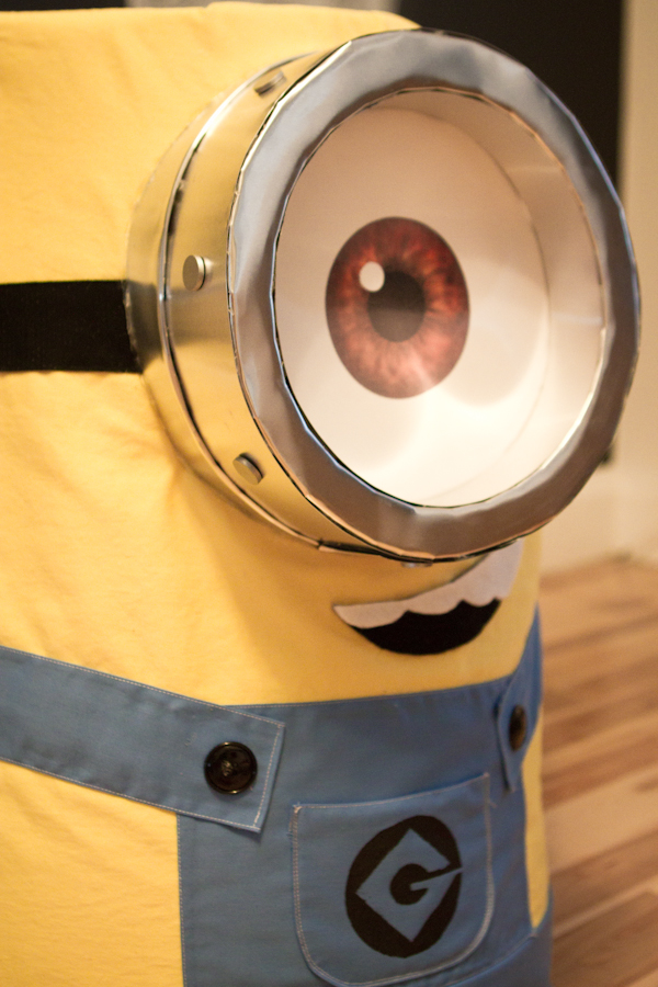 Minion carrying banana box illusion Costume