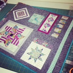 Wowee, im so in love with my mini from Jaffa Quilts. Absolutely adorable, so happy! Thank you