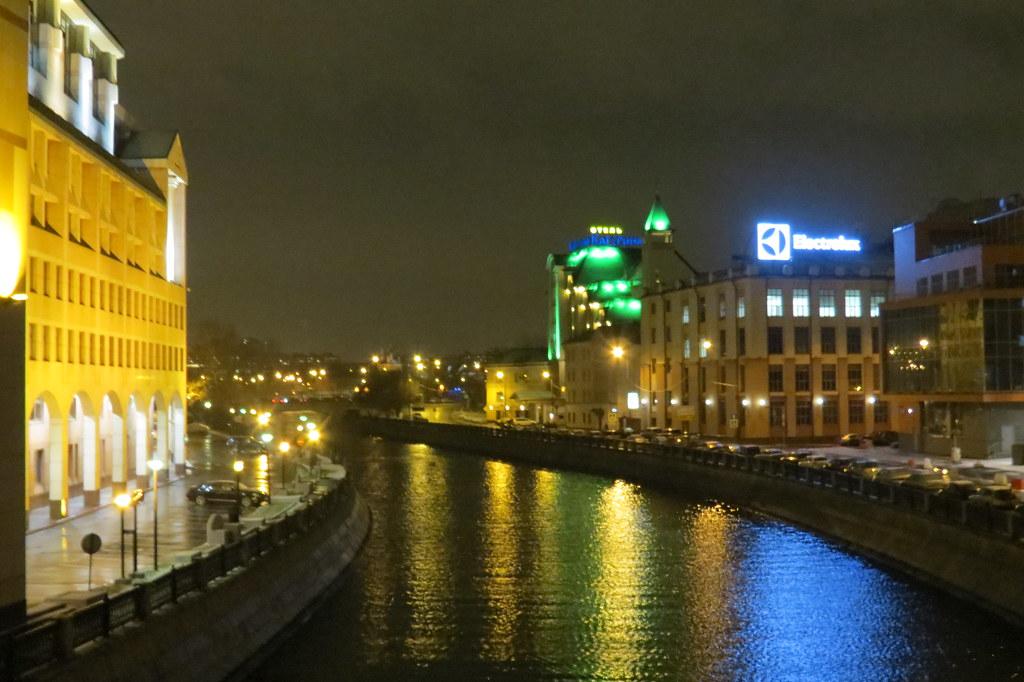 Ночные бабочки на ночь Ивана Фомина ул. индивидуалки красивые и дорогие в Санкт-Петербурге