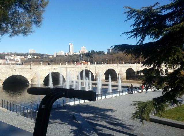 Vistas de Madrid desde Madrid río en tour en segway Segway tour por Madrid, turismo de futuro - 11695262534 02837a3bf4 z - Segway tour por Madrid, turismo de futuro