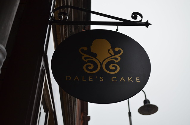 Dale's Cake sign