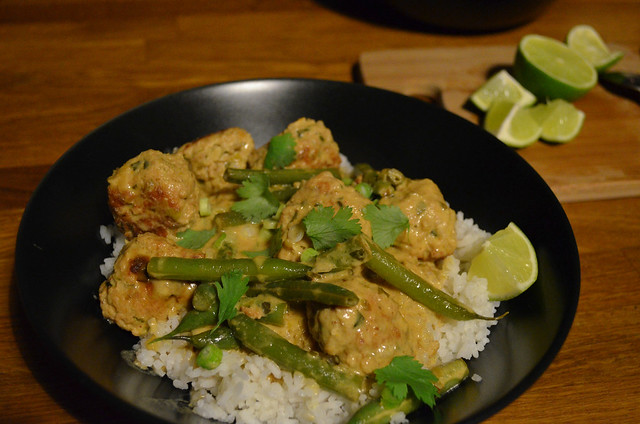 green curry thai turkey meatballs and green beans served over rice with cilantro and lime