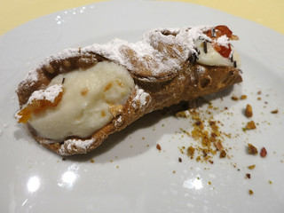 fan339cannoli