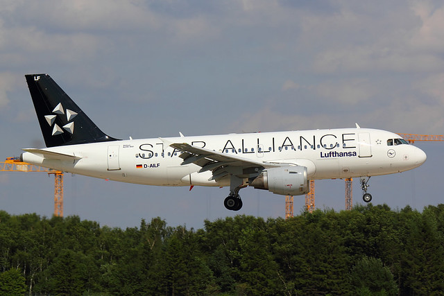 Lufthansa - A319 - D-AILF (2)