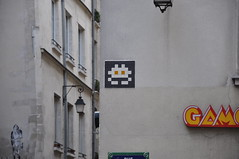 Space Invader in Paris
