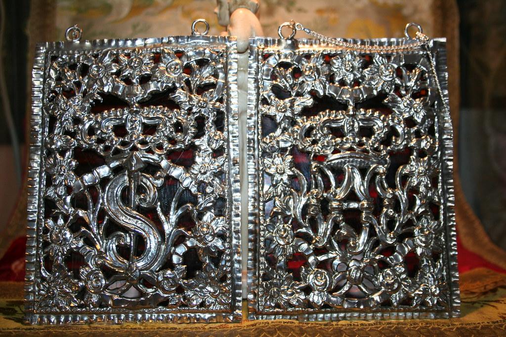 Escapulario de plata y carey. Virgen de los Dolores de Huelva