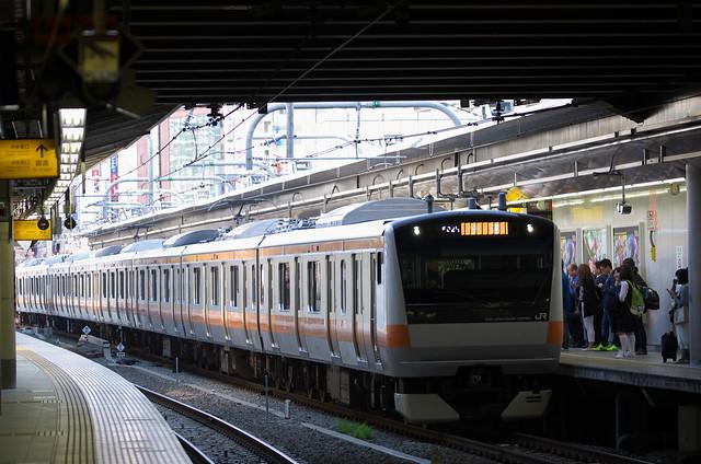 Tokyo Train Story 中央線 新宿駅にて 2014年5月11日