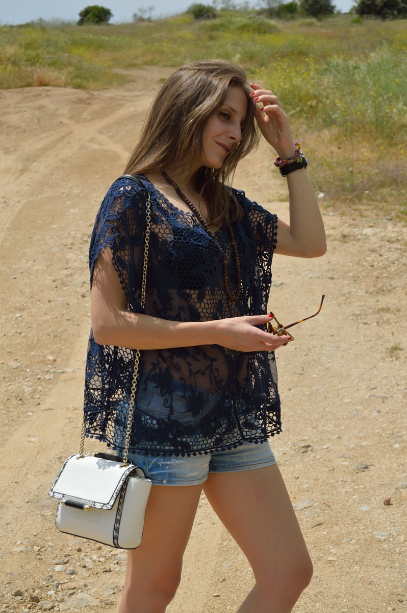 lara-vazquez-madlula-blog-fashion-lace-white-dvf-denim