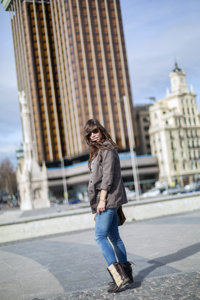 street style barbara crespo howsty boots jeans plaza colon madrid fashion blogger outfit blog de moda